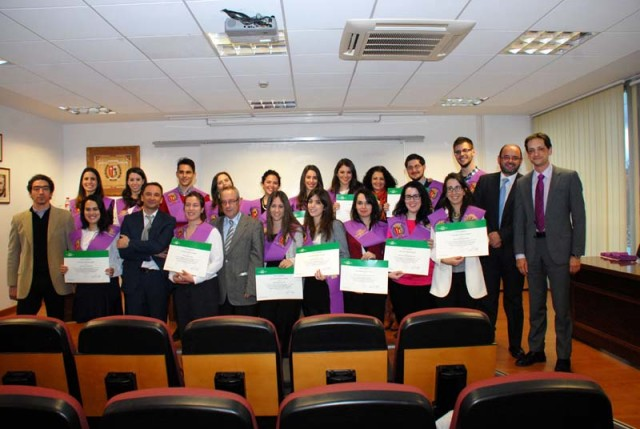 foto_entrega_diplomas_psicologia_uam_marzo_2015-web